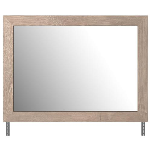 Signature Design By Ashley - Senniberg Bedroom Mirror