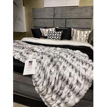 "Nuevo Two-tone Gray White Blanket/Coverlet by Rug Factory Plus - Cal King - 104"" x 93"" / Gray White"
