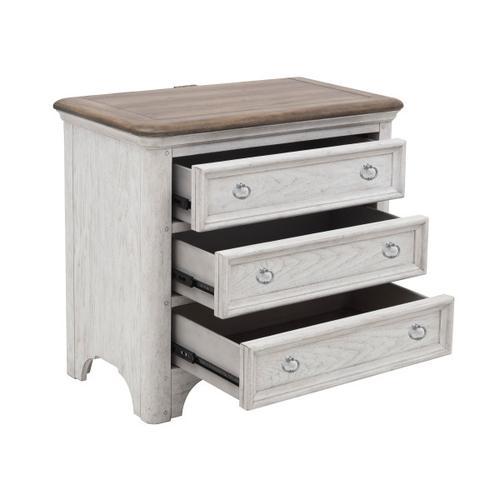 Pulaski Furniture - Glendale Estates 3 Drawer USB Charging Nightstand