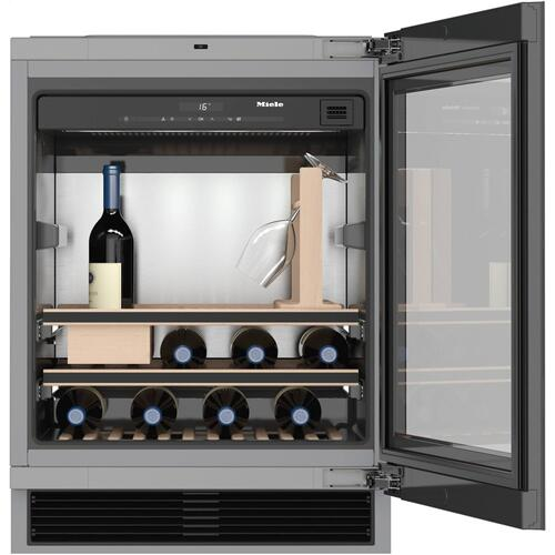 Built-under wine storage unit for perfect enjoyment and timeless design with its Push2open and SommelierSet.