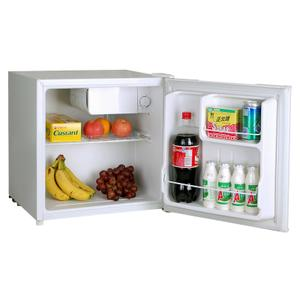 1.6 CF Compact Refrigerator Product Image