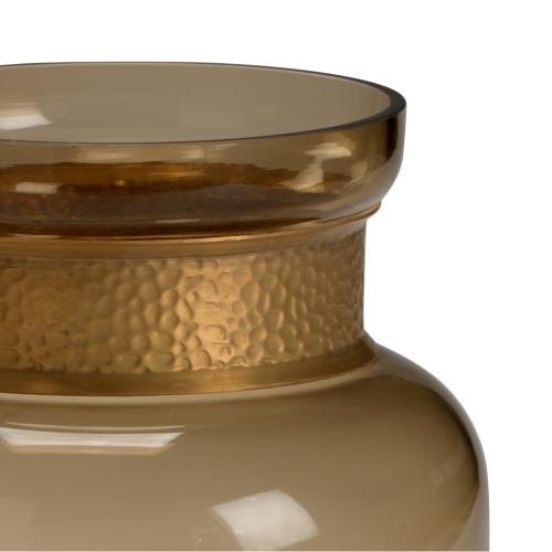 Brady Vase (sm)