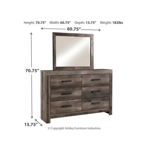 Queen Poster Bed With Mirrored Dresser
