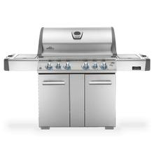 Gas Grill Rear infrared burner, infrared SIZZLE ZONE bottom burner and range side burner