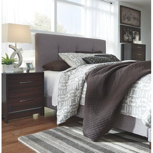 Gallery - Dolante Queen Upholstered Bed