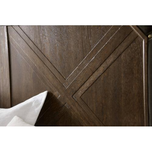 American Chapter Grand National Panel California King Bed