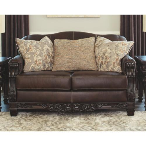 Embrook Loveseat