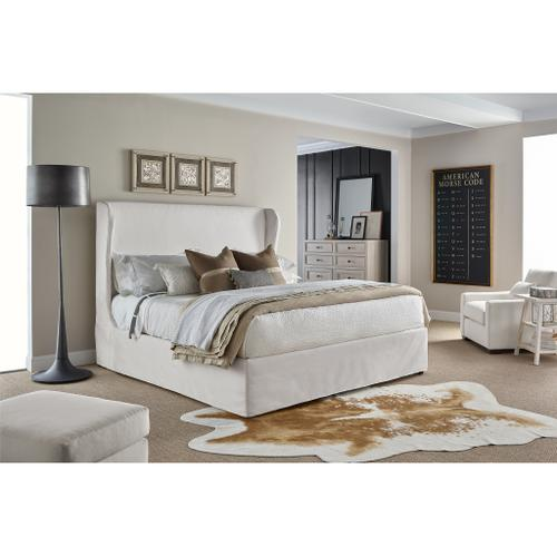 Universal Furniture - Larson Dresser