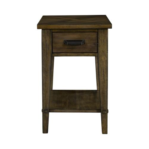 Broyhill Furniture - Creedmoor Chairside Table
