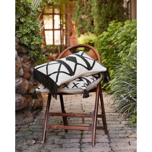 P0503 In/out Black / Ivory Pillow