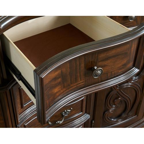 Royale Dresser