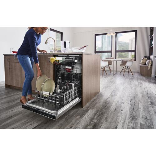 Product Image - 44 dBA Dishwasher in PrintShield™ Finish with FreeFlex™ Third Rack - Stainless Steel with PrintShield™ Finish