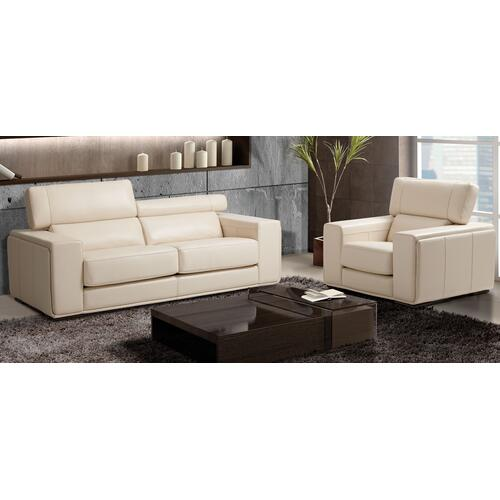 Maggy Apartment sofa and chair