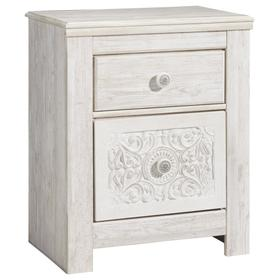 Paxberry Nightstand