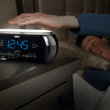 Soft Light clock radio with motion activation