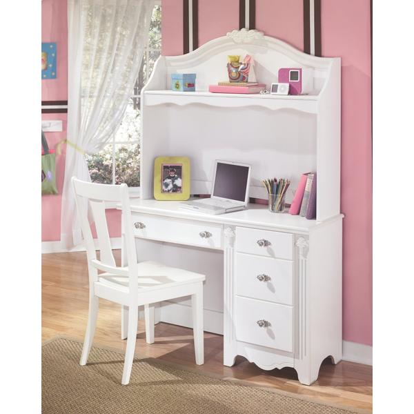 Exquisite Desk and Hutch