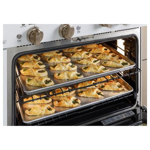 "Café 36"" Smart Dual-Fuel Commercial-Style Range with 6 Burners (Natural Gas)"