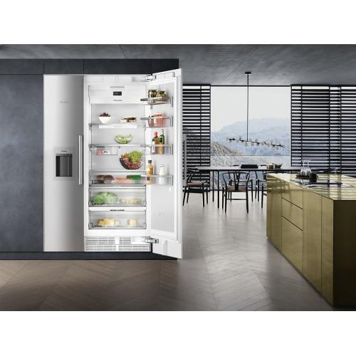 F 2471 SF MasterCool freezer For high-end design and technology on a large scale.