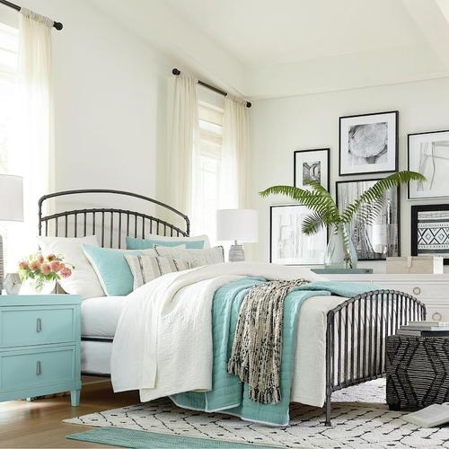 Queen/Miriam Aged Whitestone Miriam Metal Bed