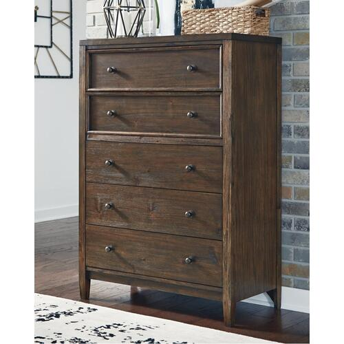 Signature Design By Ashley - Kisper Chest of Drawers