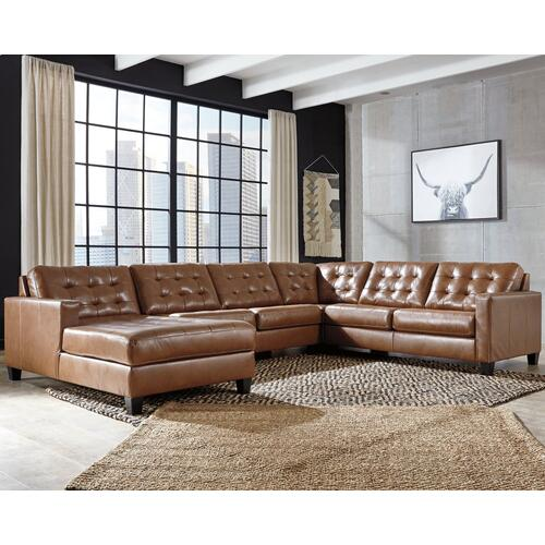 Baskove 4 Pc Sectional