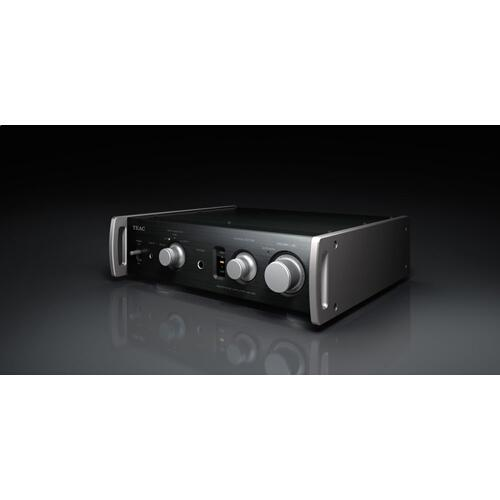 Full-Analog Dual Monaural Headphone Amplifier