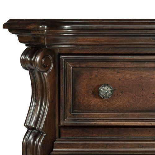 Liberty Furniture Industries - King Sleigh Bed, Dresser & Mirror