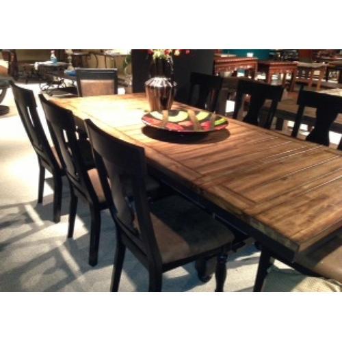 Briarwood Banquet Table