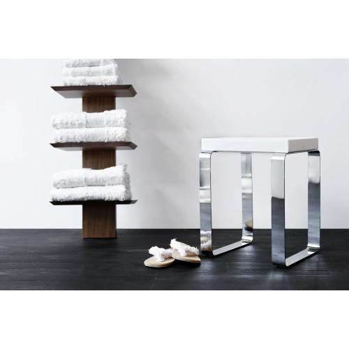 Complement Cube Bench