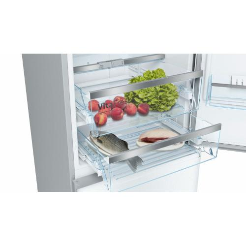 800 Series Free-standing fridge-freezer with freezer at bottom, glass door 23.5'' White B10CB81NVW