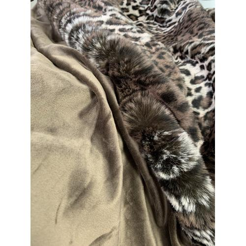 """Rug Factory Plus - Lepo Throw Collection - 50"""" x 60"""" / Brown / 100% Polyester"""