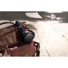 HD450BT Wireless Around Ear Headphones with Bluetooth® (Black)