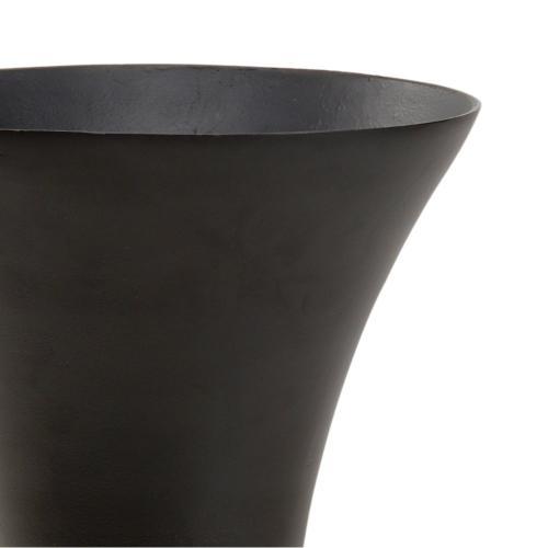 Beu 7 Trumpet Vase (lg)