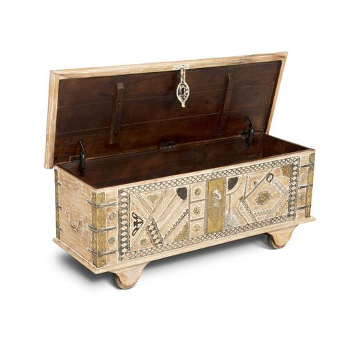 Amira Storage Trunk