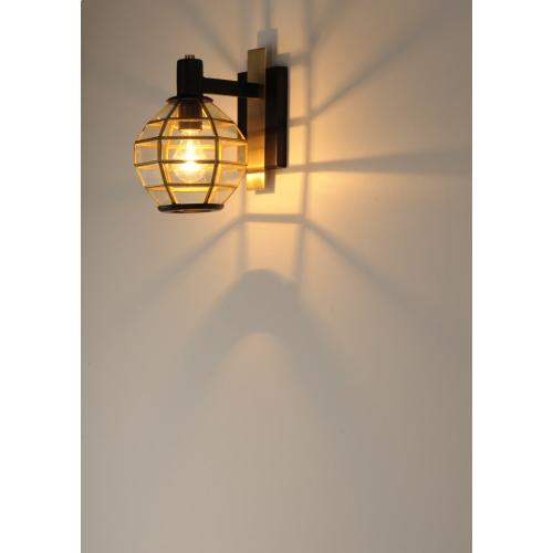 Heirloom 1-Light Outdoor Wall