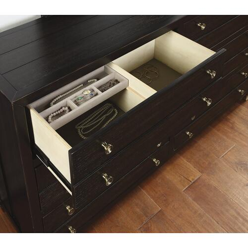 Cologne Dresser