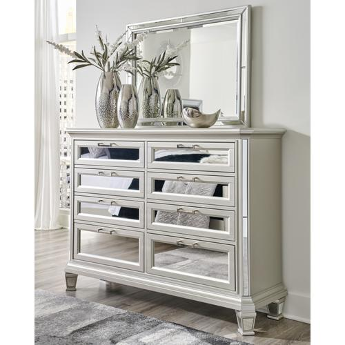 Signature Design By Ashley - Lindenfield Dresser and Mirror