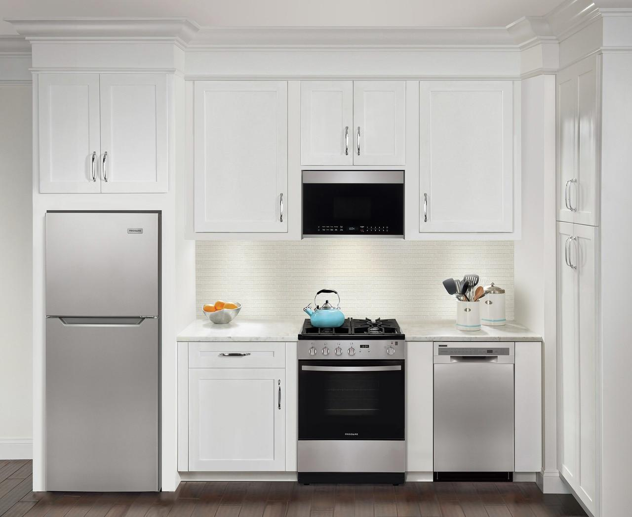 11.6 Cu. Ft. Top Freezer Apartment-Size Refrigerator Photo #2