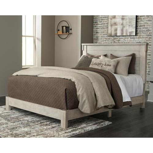 Hollentown King Panel Bed