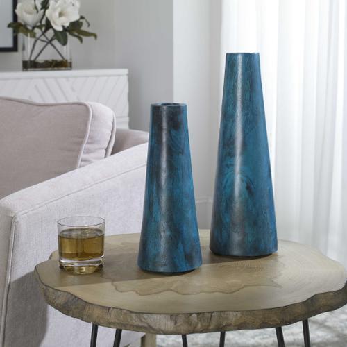 Mambo Vases, S/2