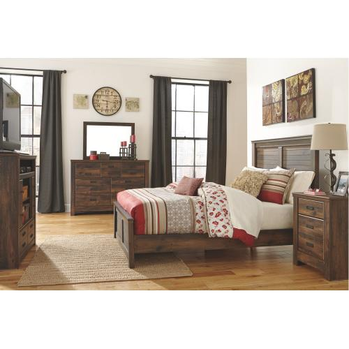 Quinden King Panel Bed