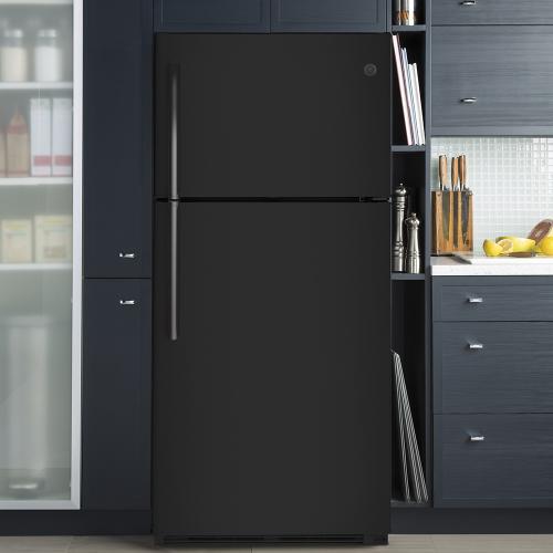 GE Appliances Canada - GE® Energy Star 18 Cu. Ft. Top-Freezer Refrigerator Black - GTE18FTLKBB