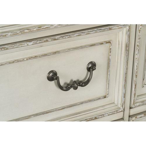 Stevenson Manor 7-Drawer Dresser, Distressed White