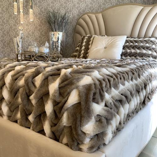 """Soft Heavy Faux Fur Loufie Blanket/Coverlet by Rug Factory Plus - Cal King - 104"""" x 93"""" / Two-tone Mocha Silver"""
