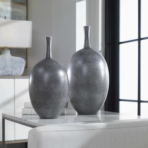 Riordan Vases, S/2