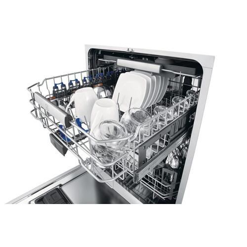 24'' Built-In Dishwasher with Perfect Dry™ System
