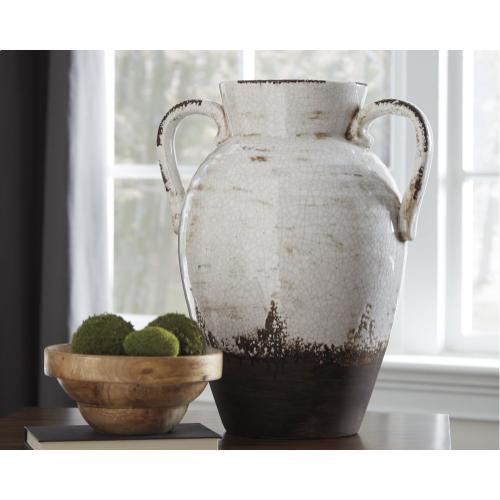 - Vase