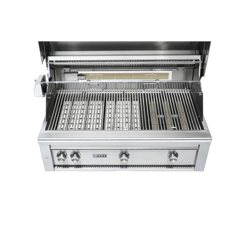 "36"" Lynx Professional Built In Grill with 1 Trident and 2 Ceramic Burners and Rotisserie, NG"