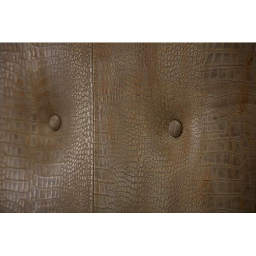 A.R.T. Furniture - Morrissey King Lloyd Upholstered Shelter Bed Bezel