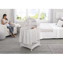 Simmons Kids® Silent Auto Gliding Deluxe Bassinet - Embossed Paisley (2282)